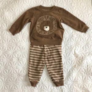 ❤️5/40❤️ 18 months fleece set